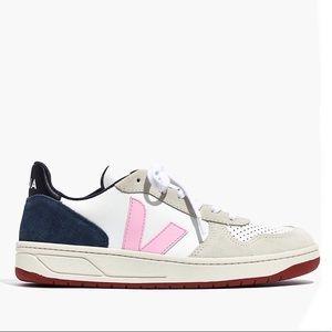 Veja Shoes - {Madewell x Veja} V-10 Sneakers Size 39